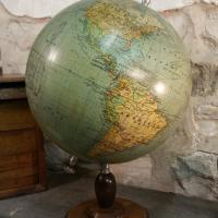 1 globe terrestre girard