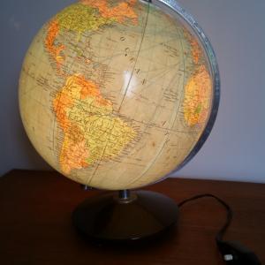 1 globe terrestre lumineux magelan