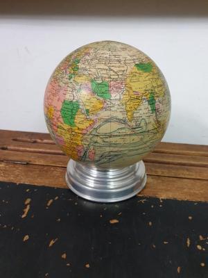 1 globe terrestre lumineux
