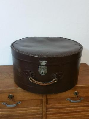 Grande boite à chapeau