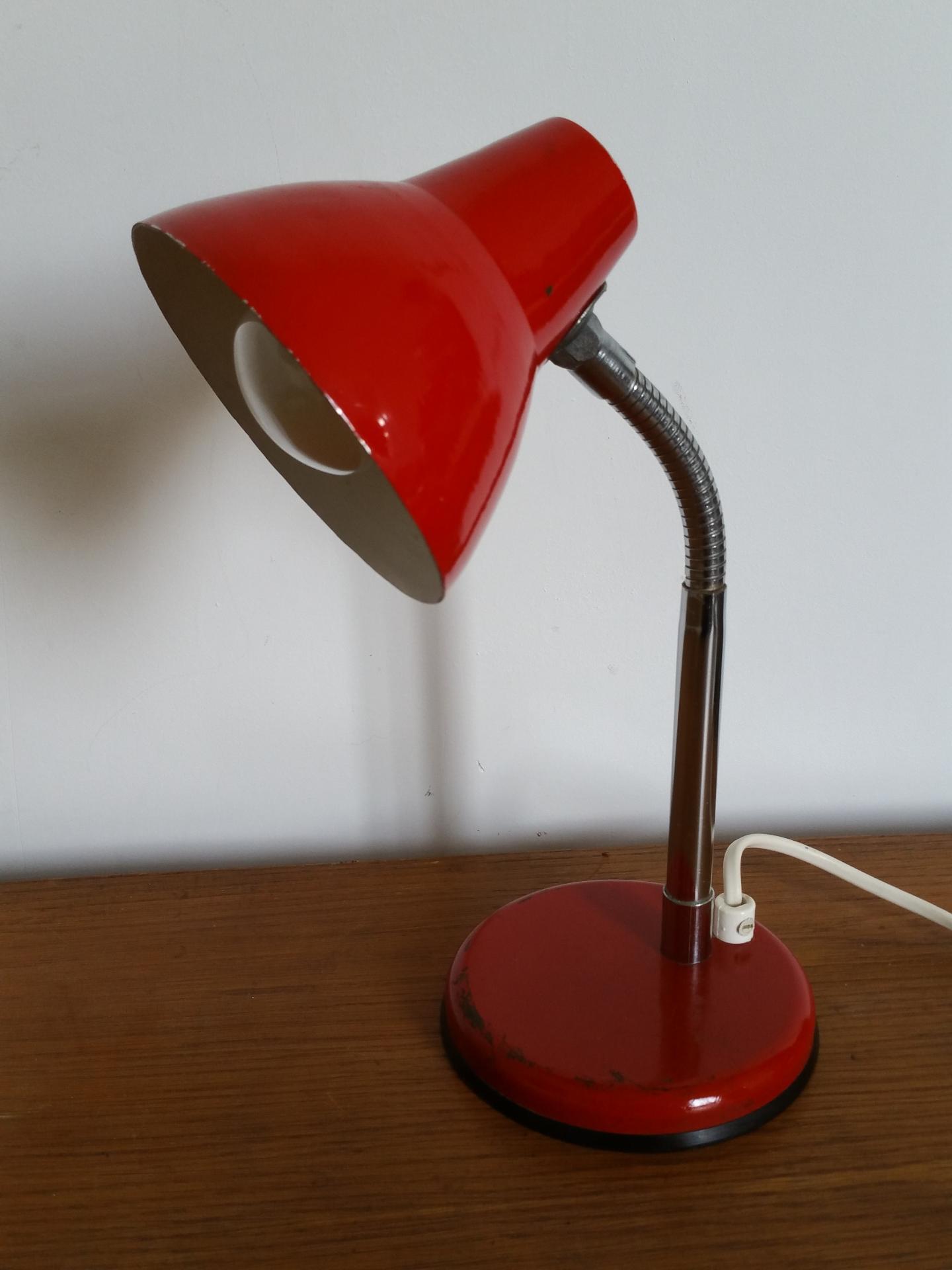lampe cocotte vintage rouge lampe de bureau lampe de chevet. Black Bedroom Furniture Sets. Home Design Ideas