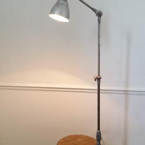 1 lampe d architecte