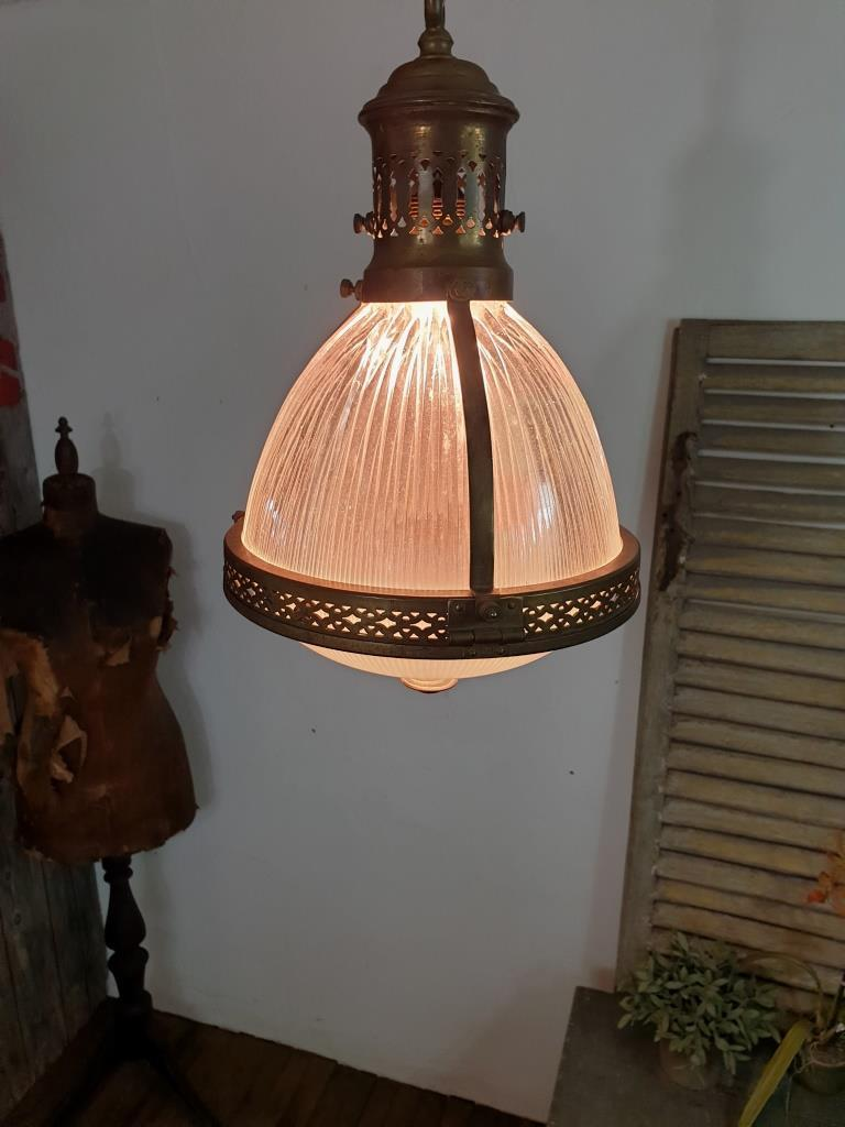 1 lampe de magasin holophane