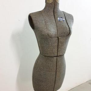 1 mannequin acme