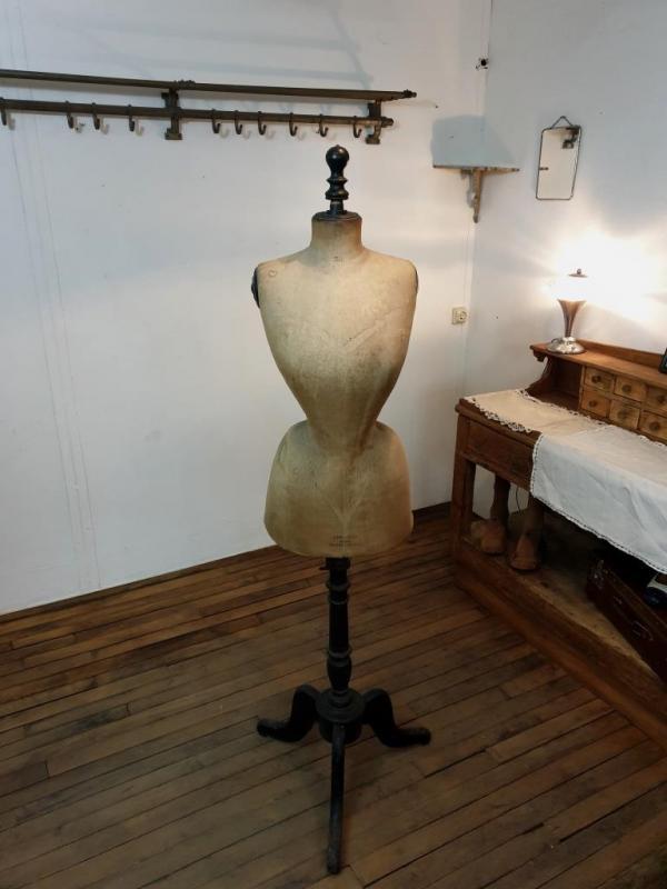 1 mannequin stockman 2