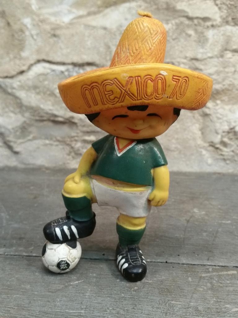 1 mascotte mondial 70