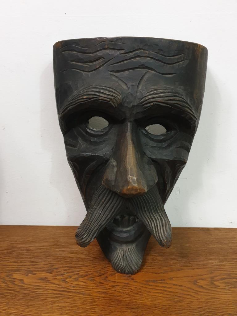 1 masque mamuthones