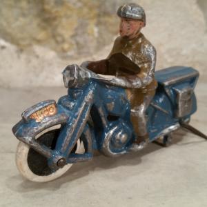 1 motard aludo 2