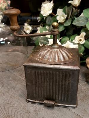 Moulin à café Tabatière