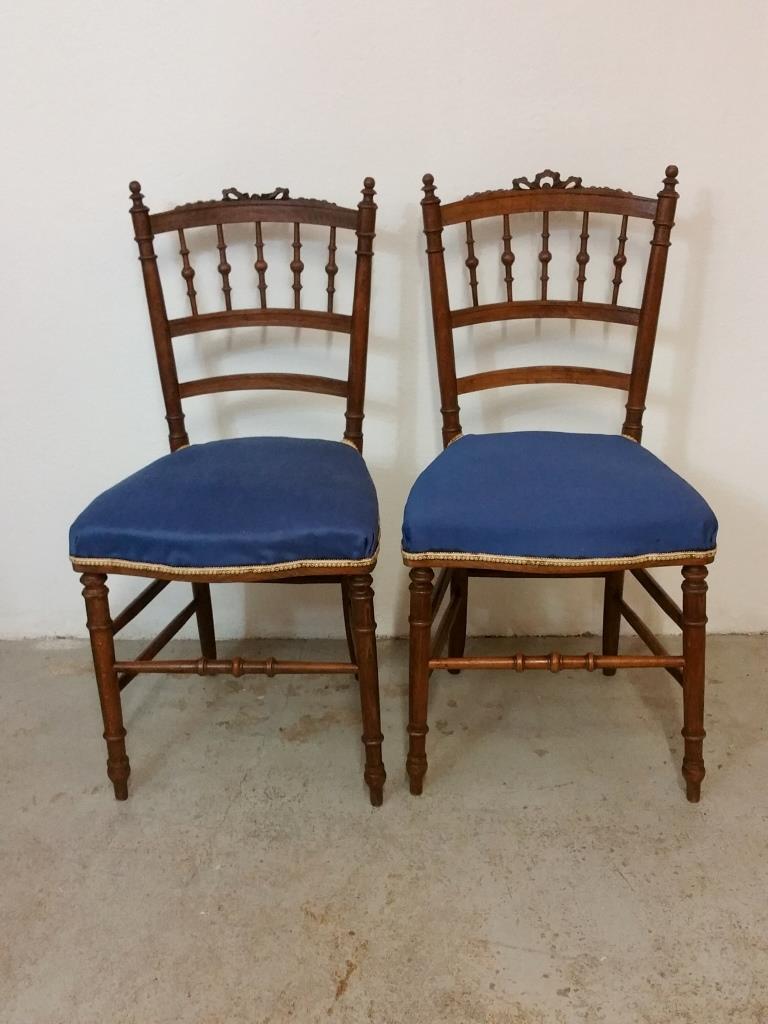 Style De Chaises Anciennes paire de chaises de style classique en bois tourné et ciré à