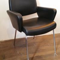 1 paire de fauteuils skai noir