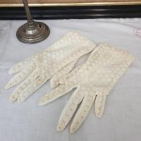 1 paire de gants de femme 1
