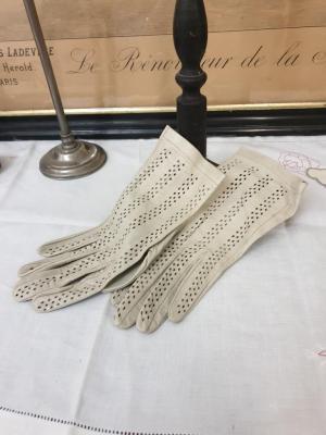 1 paire de gants de femme 4