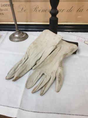 1 paire de gants de femme 5