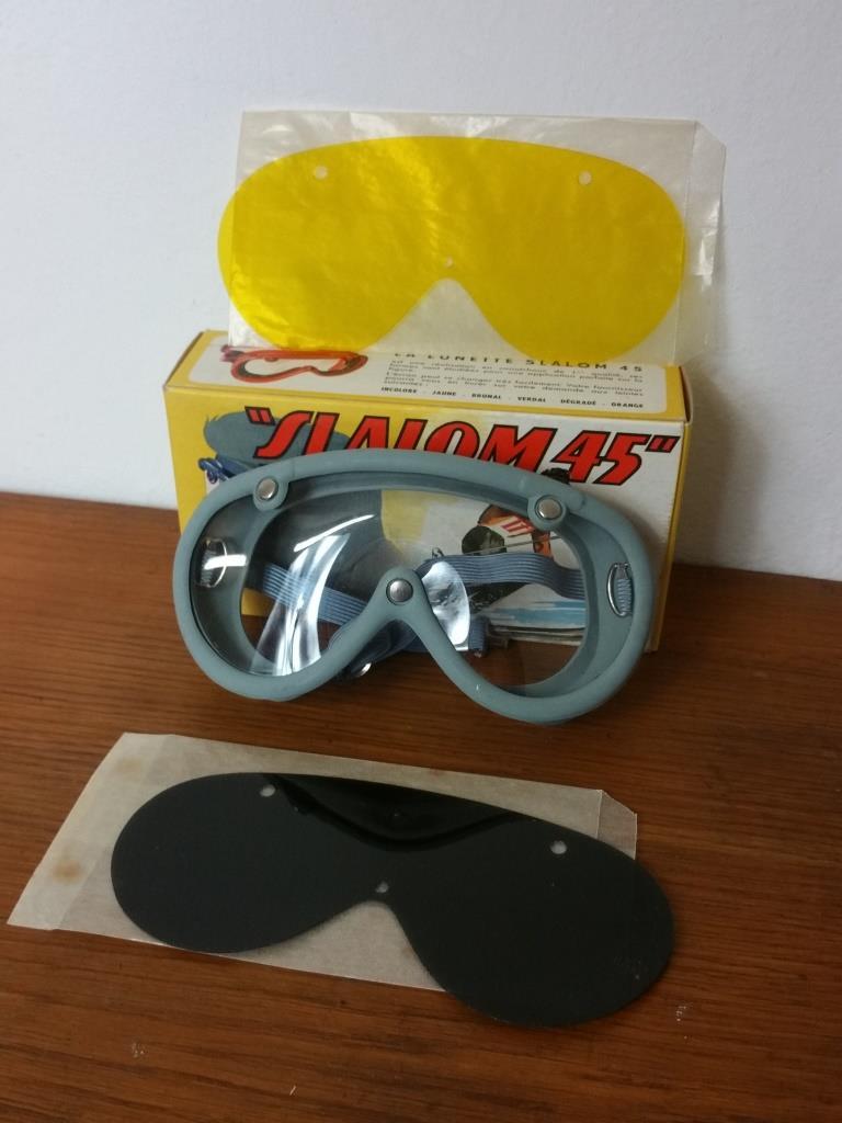 1 paire de lunettes de ski moto