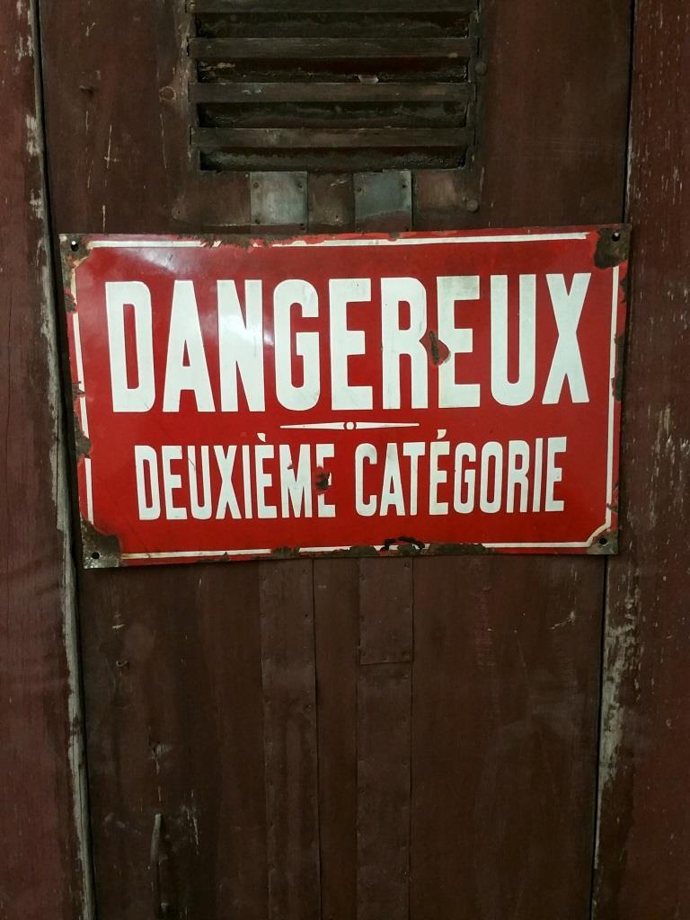 1 plaque dangeureux