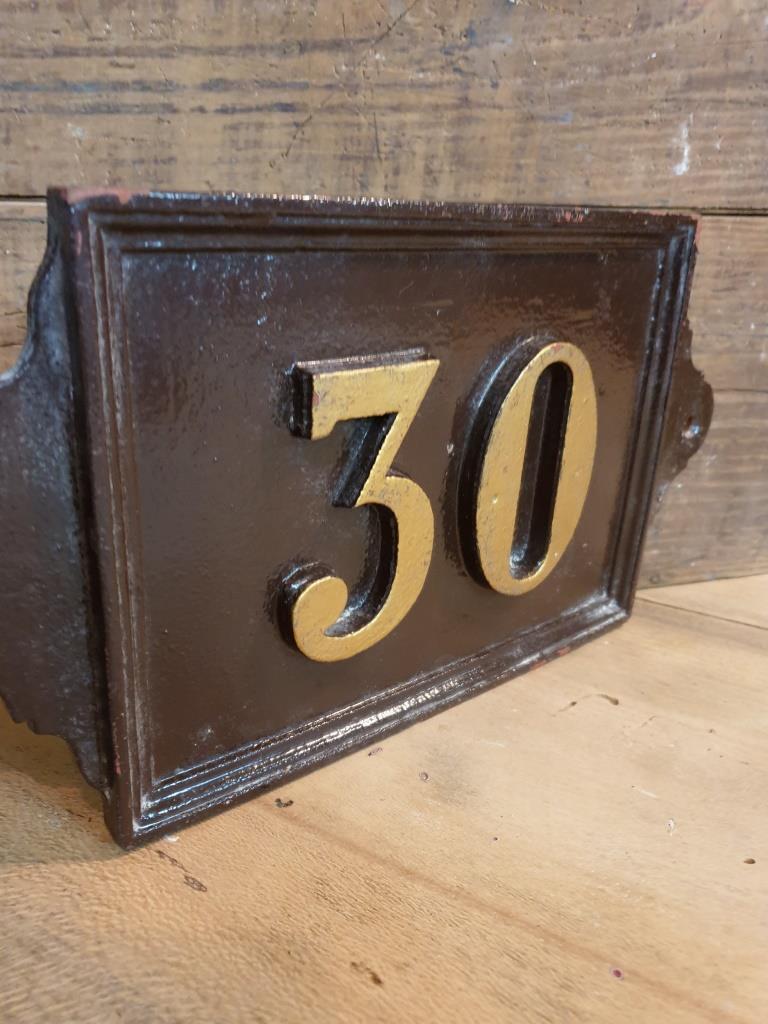 1 plaque de rue 30