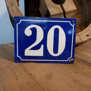 1 plaque de rue emaillee n 22