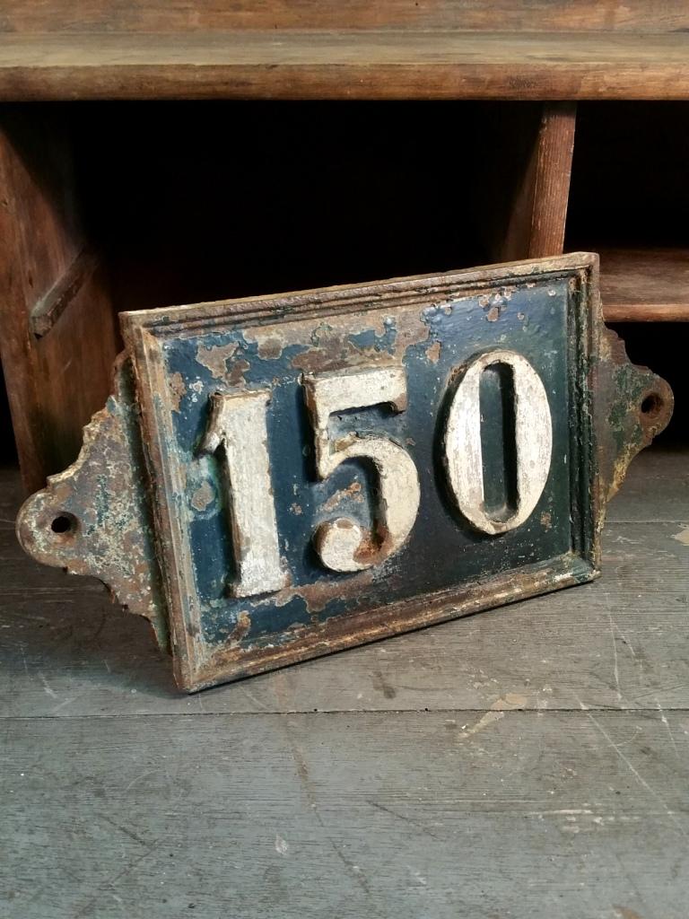 1 plaque de rue fonte 150