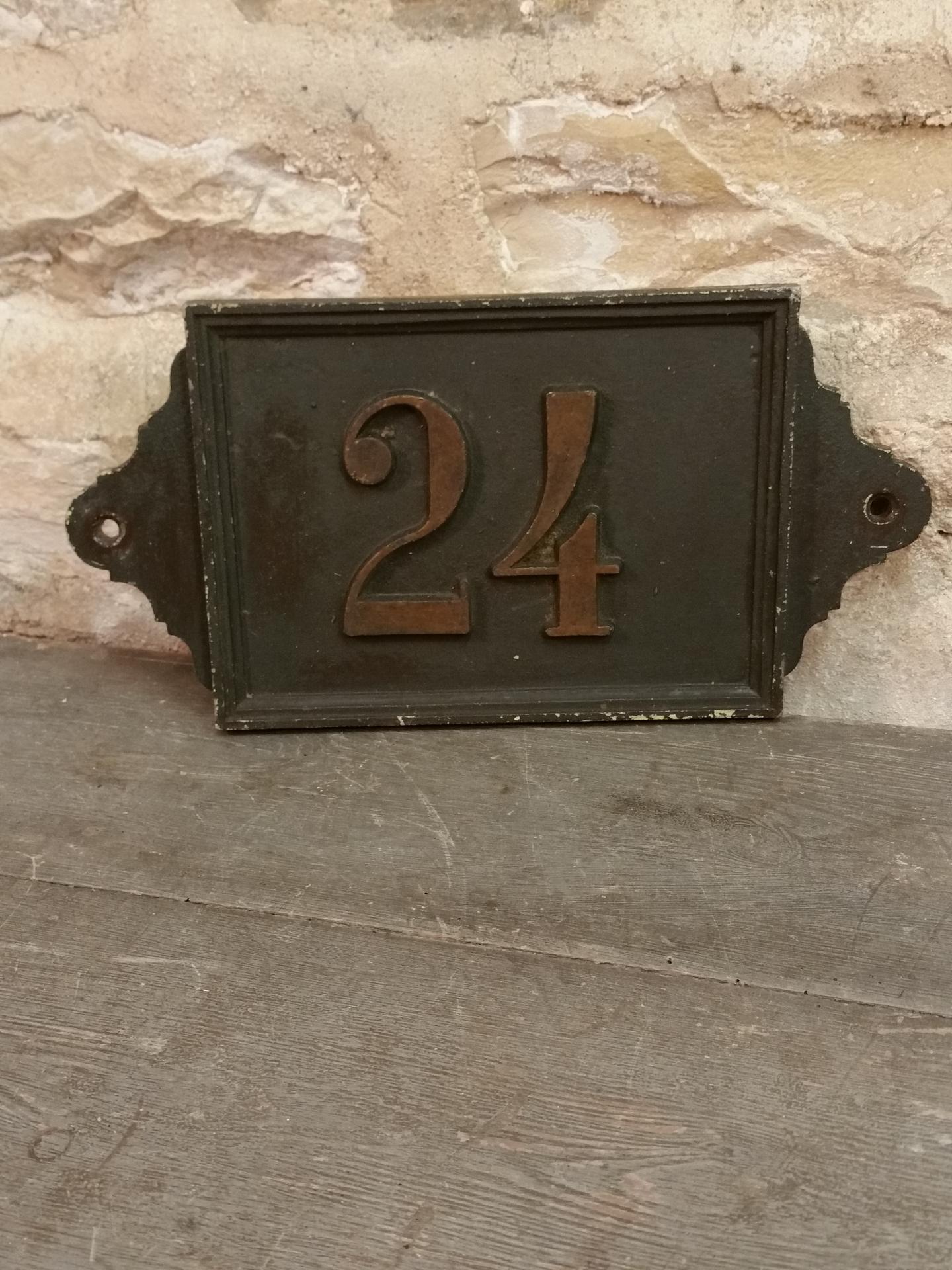 1 plaque de rue n 24