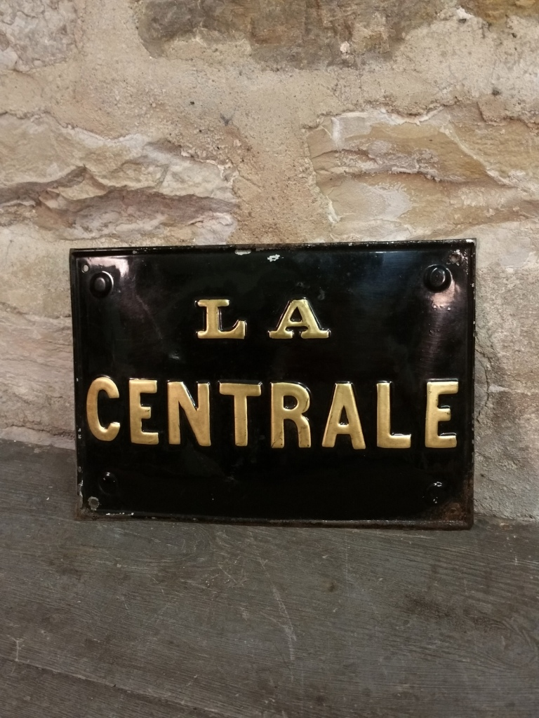1 plaque la centrale 1