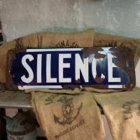 1 plaque silence