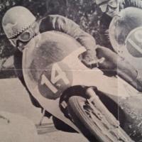 1 poster moto 14