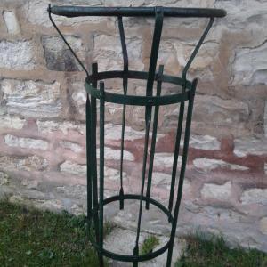 1 poubelle de jardin public