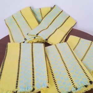 1 serviettes jaunes