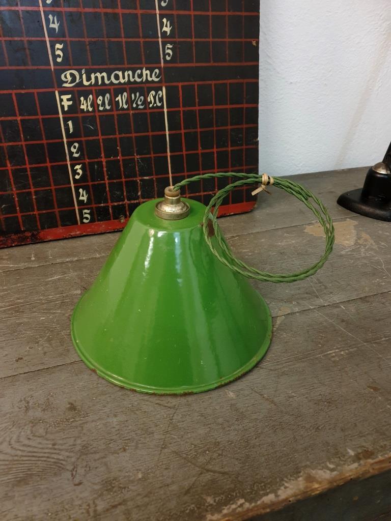 1 suspension emaillee conique verte
