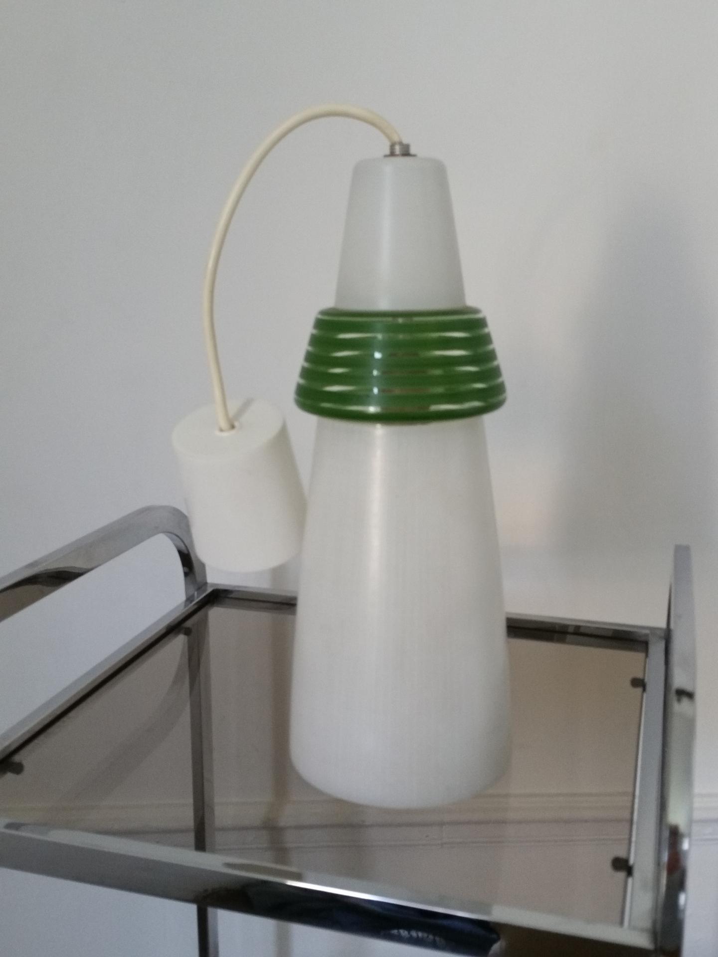 1 suspension opaline blanche et verte 50 60