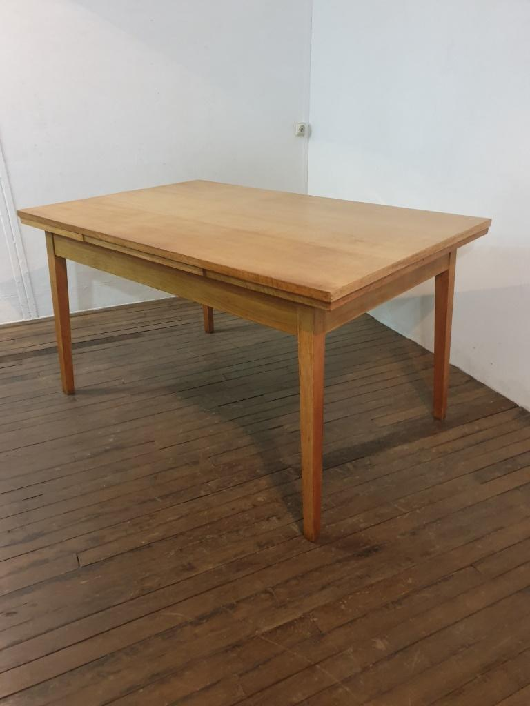 1 table a manger 40s