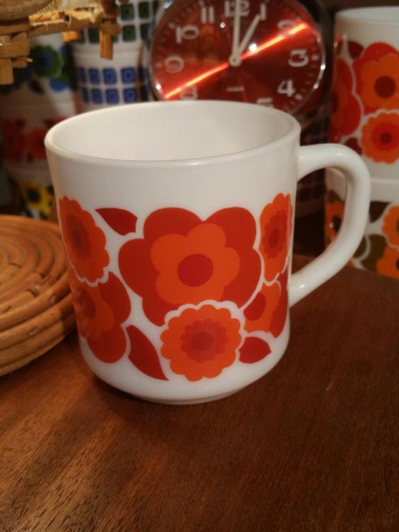 1 tasse mug lotus rouge