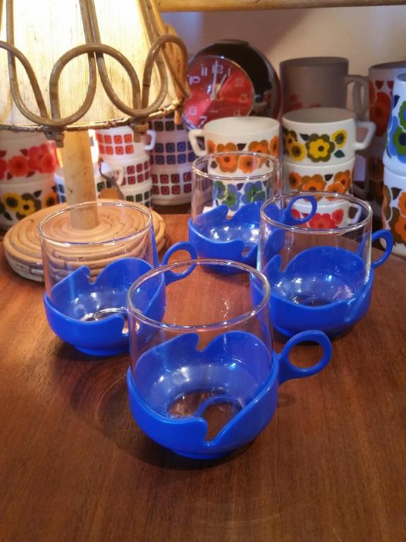 1 tasses bleues