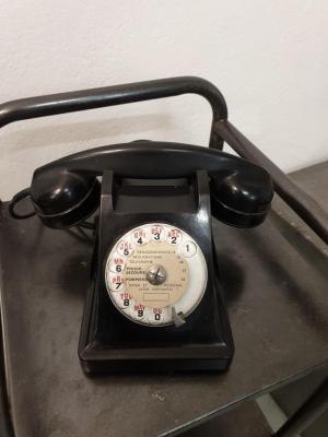 1 telephone noir bakelite