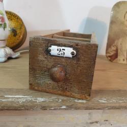 1 tiroir en bois plaque emaillee