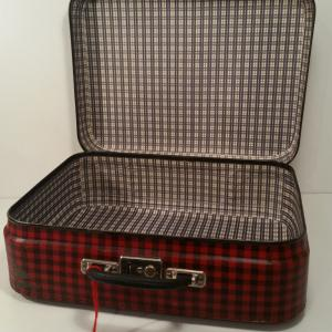 1 valise ecossaise rouge