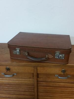 1 valise en cuir
