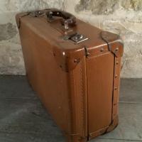 1 valise marron 60
