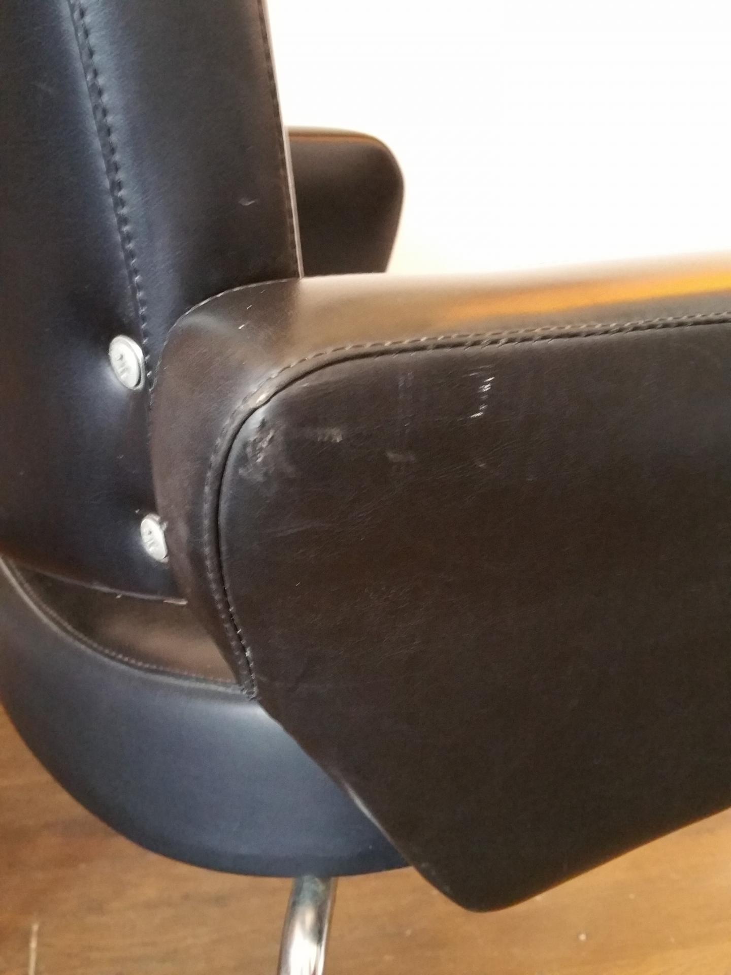 10 paire de fauteuils skai noir