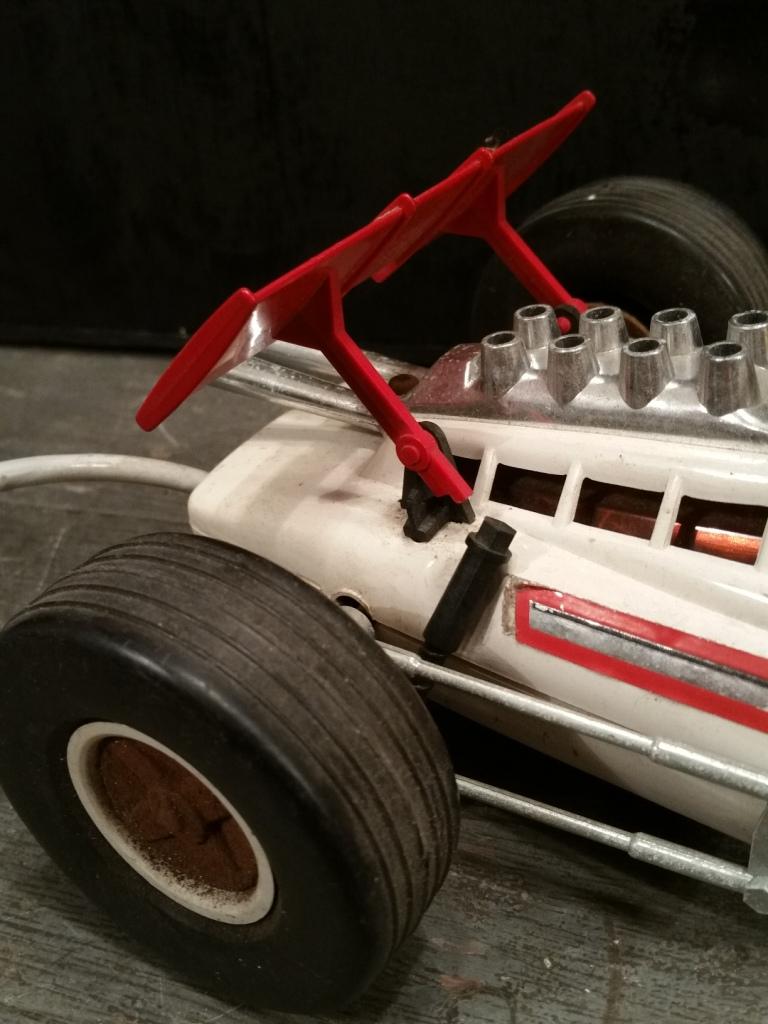 10 voiture filoguidee