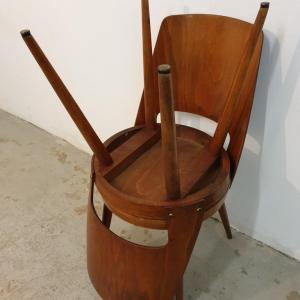 11 chaises bauman 1