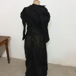 11 habit de femme 1900