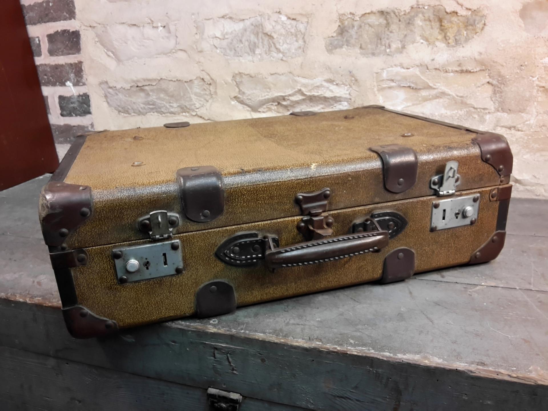 valise ancienne valise vintage. Black Bedroom Furniture Sets. Home Design Ideas