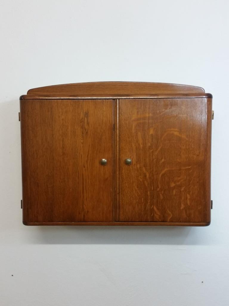 2 armoire a suspendre