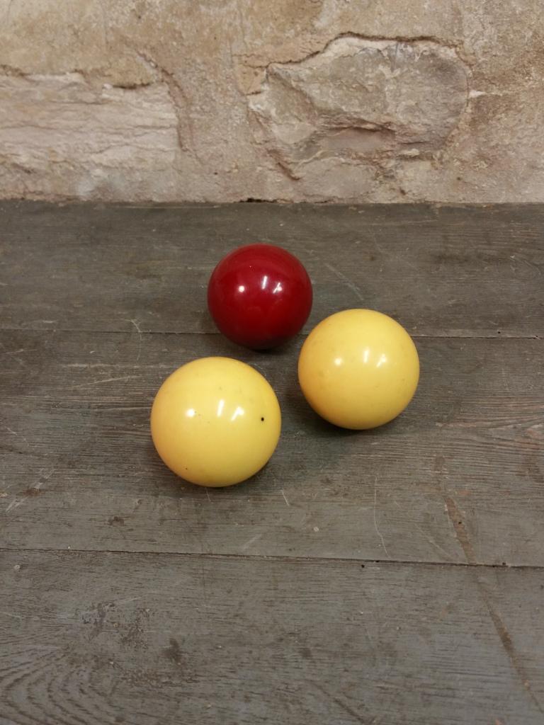 2 boules de billard