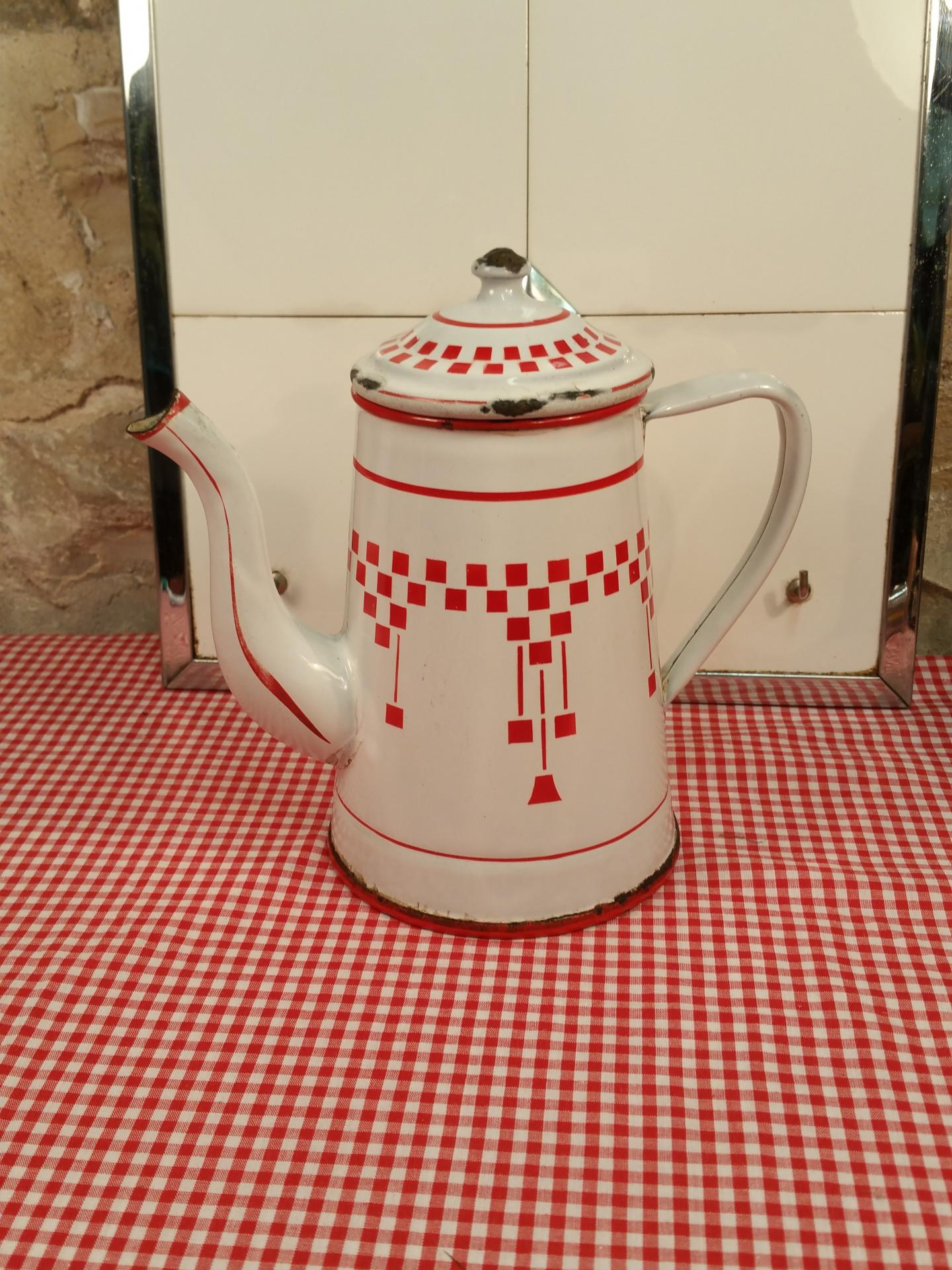 2 cafetiere emaillee blanche et rouge