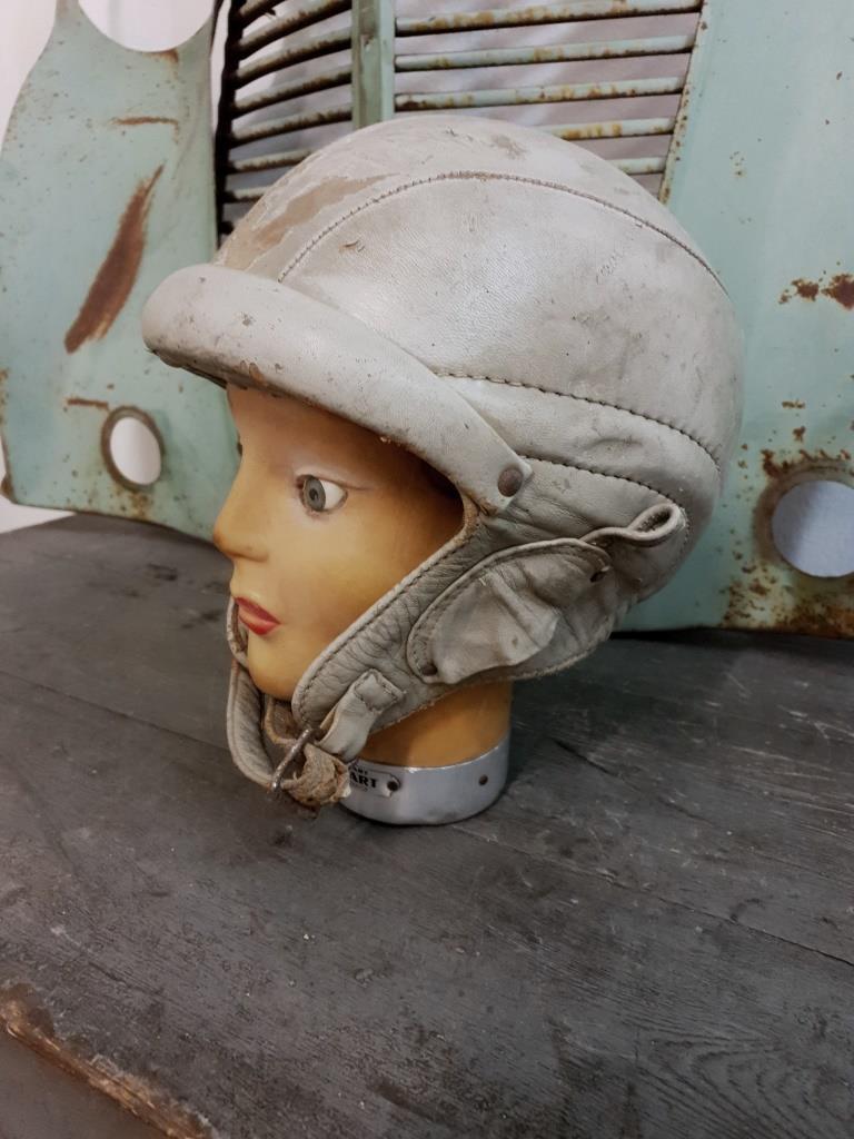 2 casque bolen cuir