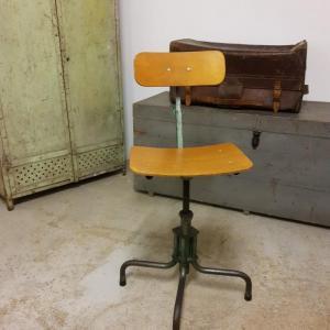 2 chaise d atelier