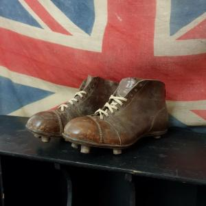 2 chaussure de rugby